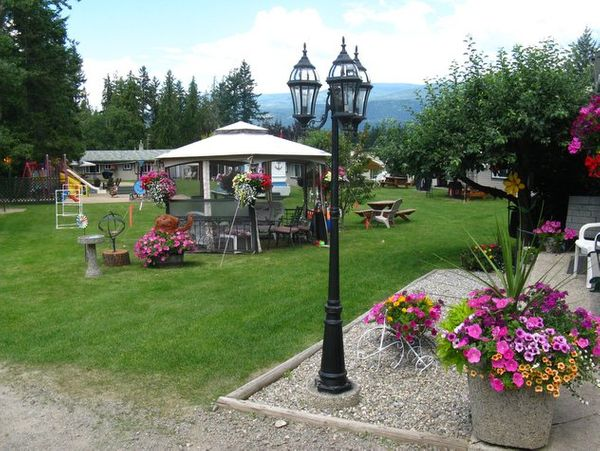 Shuswap Lake Motel & Resort